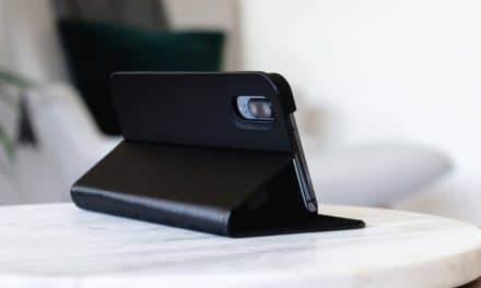 Review: Artwizz FolioJacket – Praktisches Case für das iPhone X/XS mit Stand-Funktion