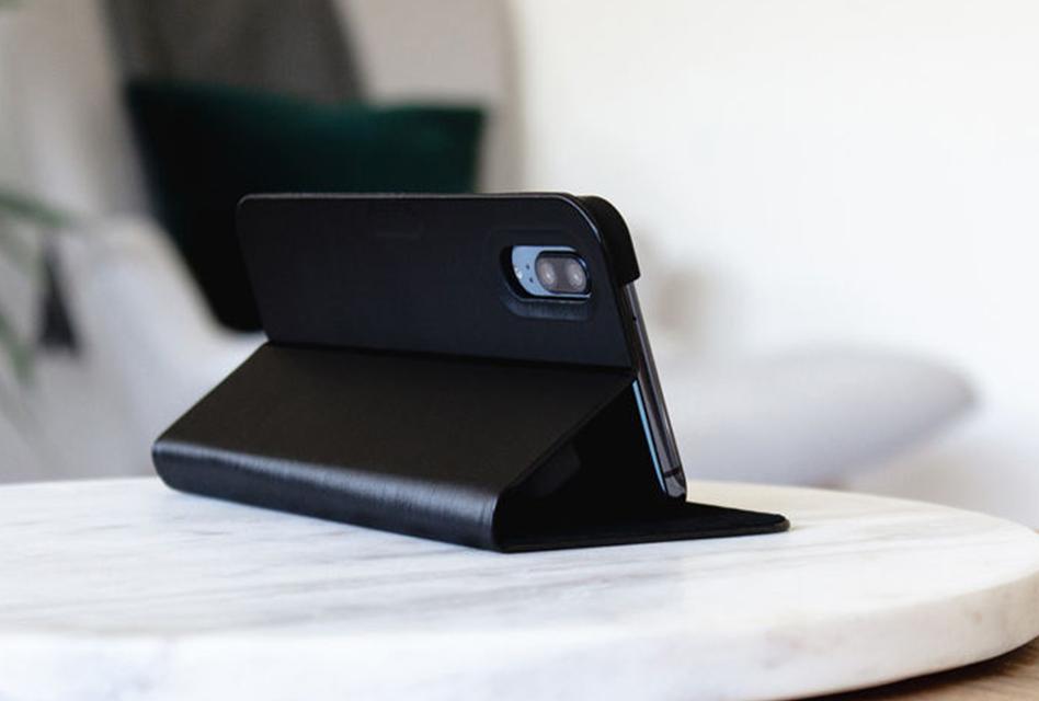 Review: Artwizz FolioJacket – Praktisches Case für das iPhone X/XS mit Stand-Funktion