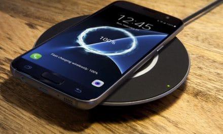 Review: Belkin BoostUp 15W – Drahtloses Ladegerät für Samsung- & Qi-Smartphones mit schönem Design